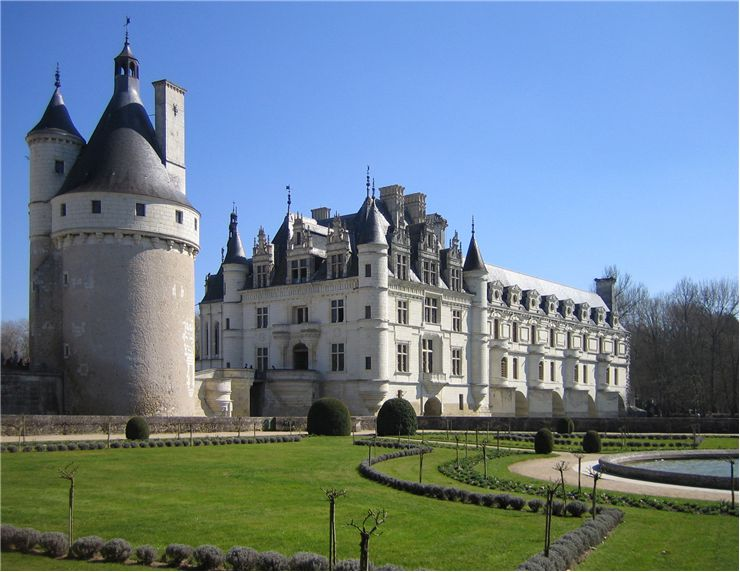 View of the Château de Chenonceau to the west of the residence