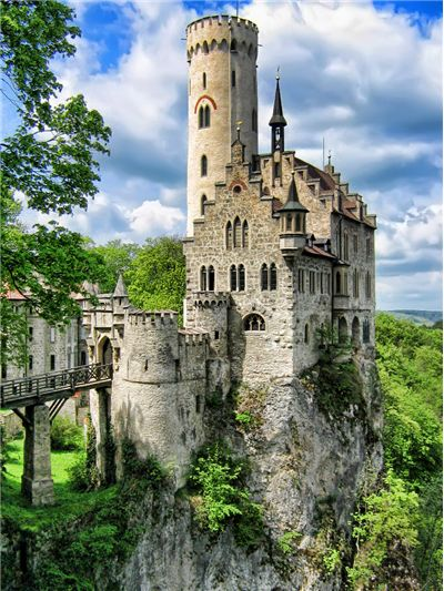 facts and history of lichtenstein castle