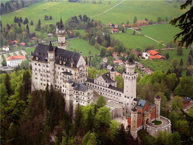 Castle Neuschwanstein - View from south-east